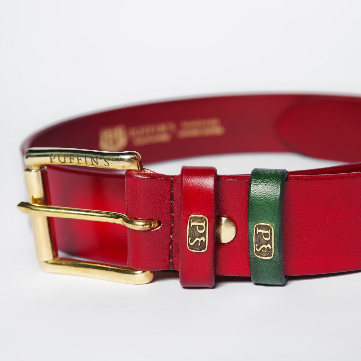 Wide belt for jeans with a 40mm brass buckle red currant