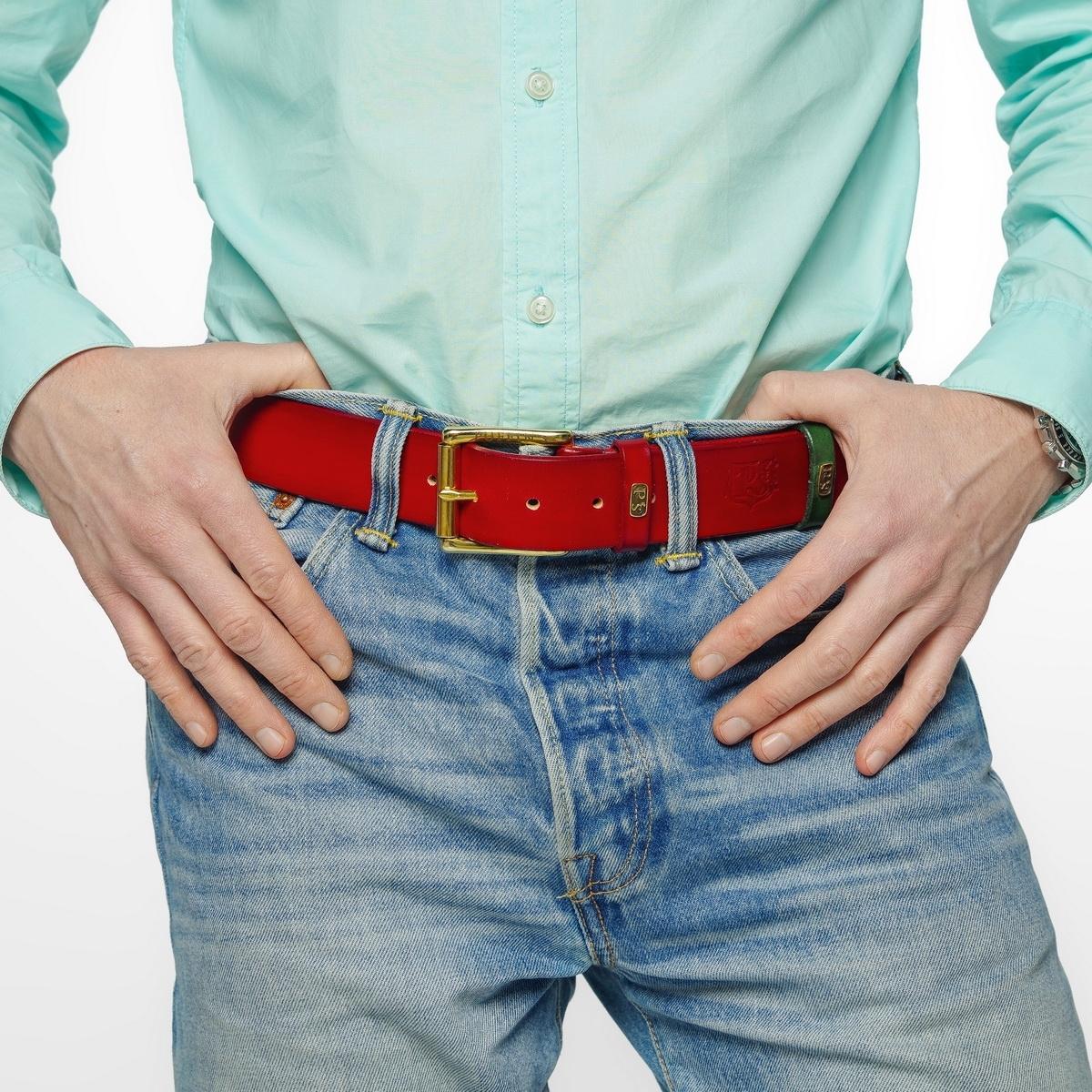 Широкий джинсовый ремень с латунной пряжкой 40мм красная смородина