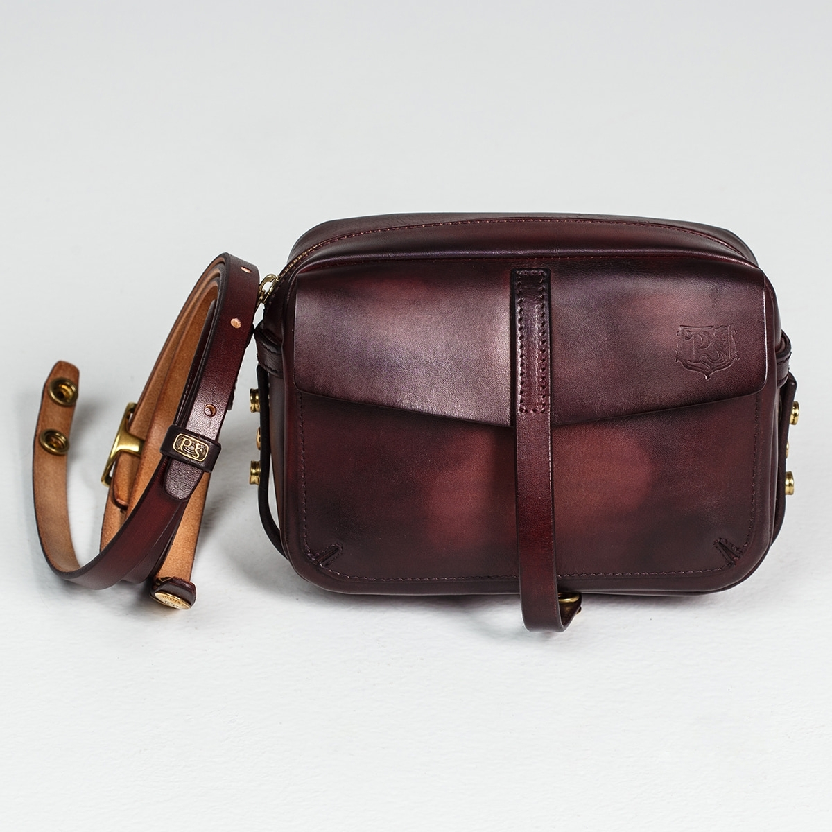 Smart crossbody bag - clutch PUFF bordeaux