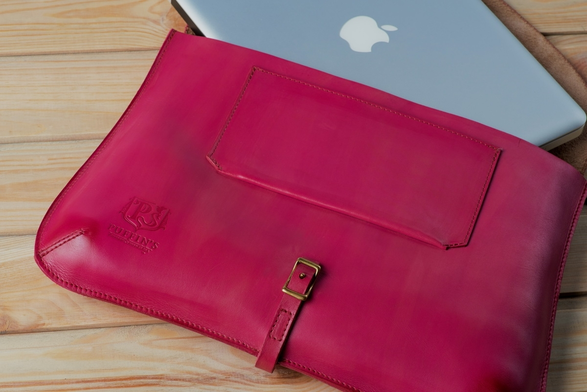 Elegant clutch CELLO / 13'' MacBook case magenta