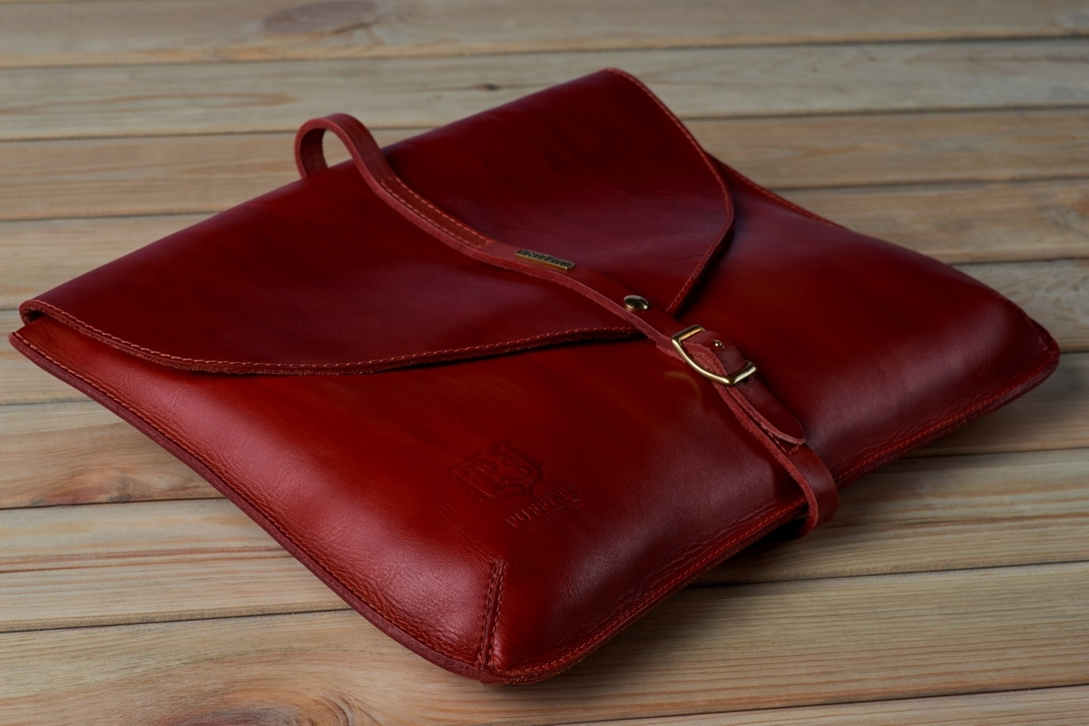 Elegant clutch CELLO / 13'' MacBook case red currant