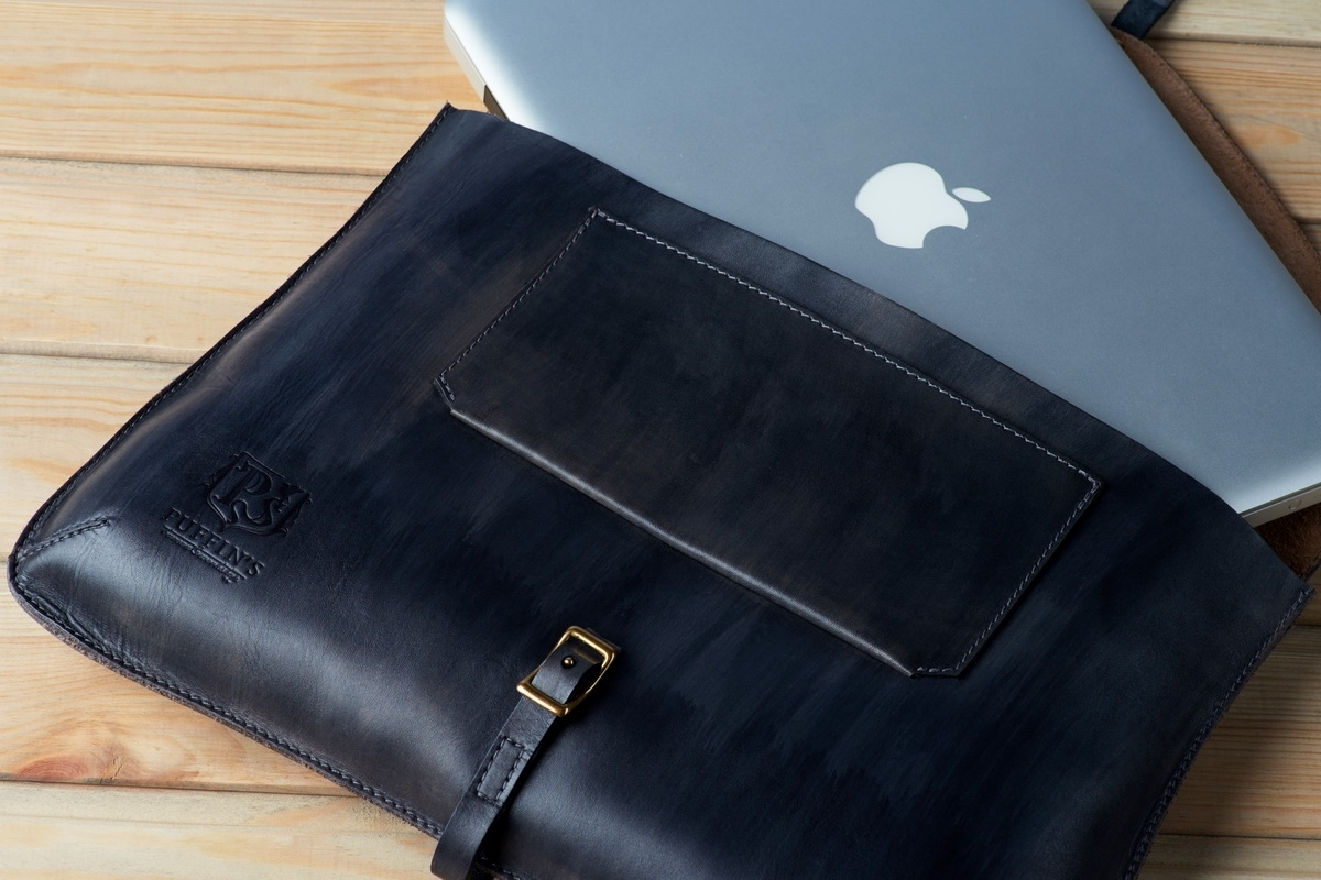 Elegant clutch CELLO / 13'' MacBook case midnight blue