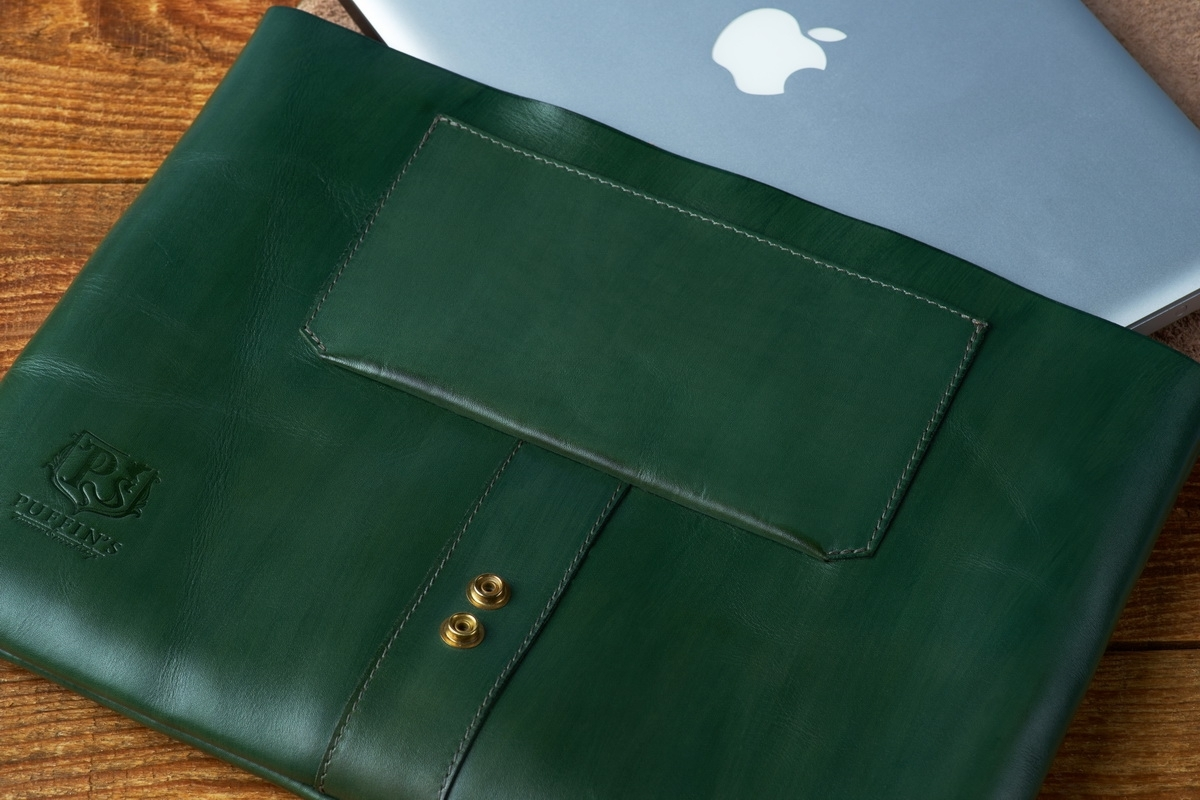 Document folder SOHO / 13'' MacBook case grassy green