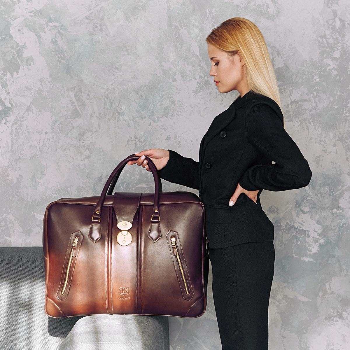 Leather suitcase HOLIDAY chestnut