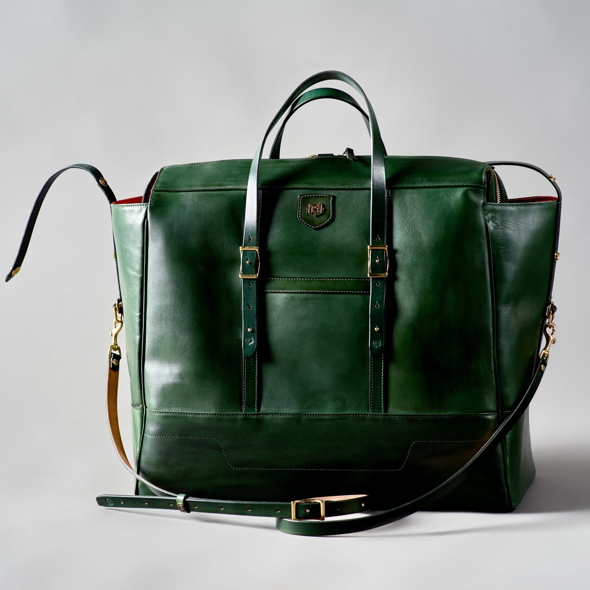 Travel bag WEEKENDER grassy green