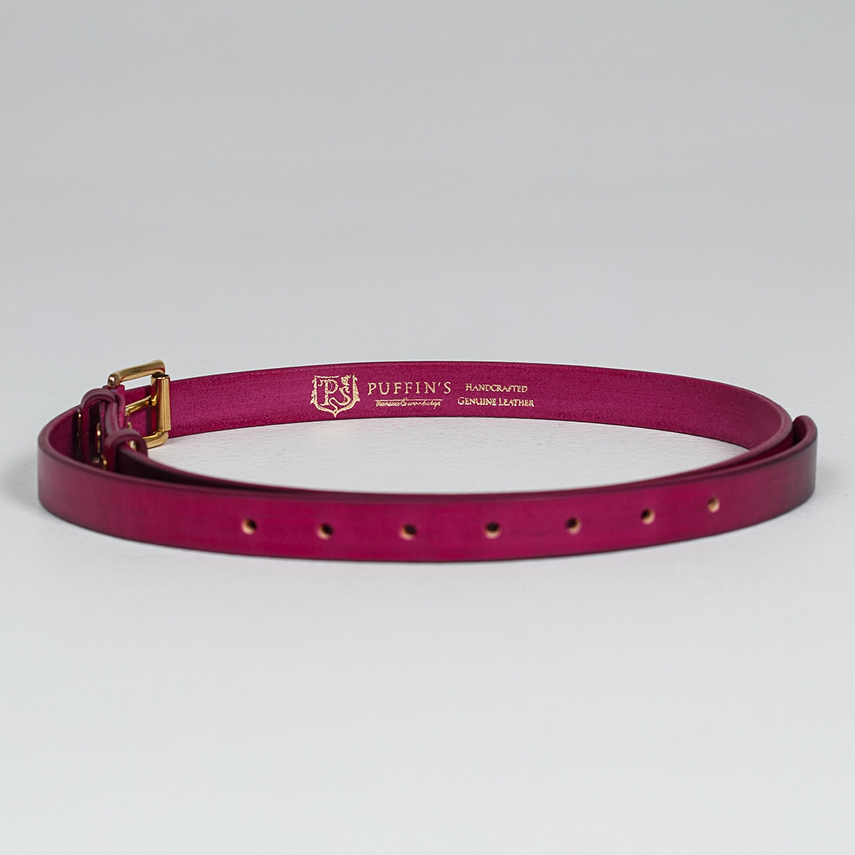 An exquisite 20mm belt with a brass buckle magenta