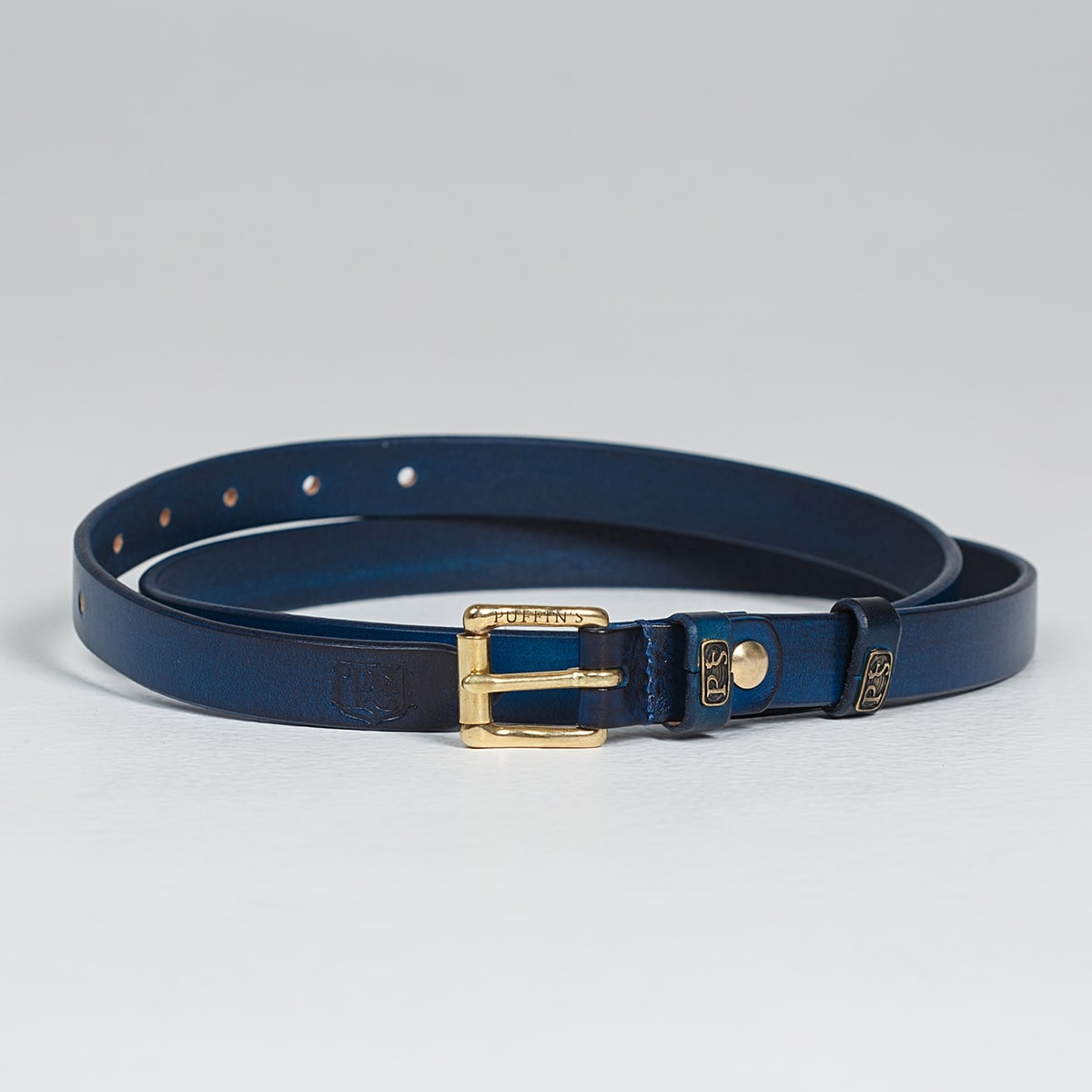 An exquisite 20mm belt with a brass buckle sapphire blue