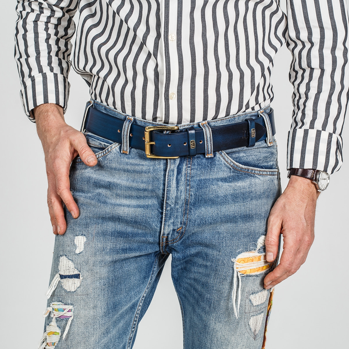 Wide belt for jeans with a 40mm brass buckle sapphire blue