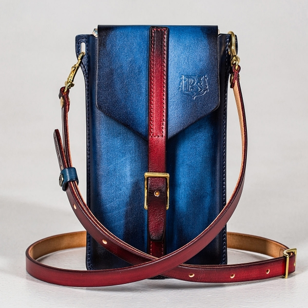 Travel case FIJI red currant & sapphire blue