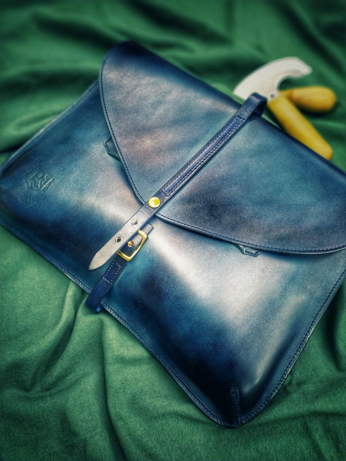 Элегантный клатч CELLO / чехол для MacBook 13'' синий глубокий