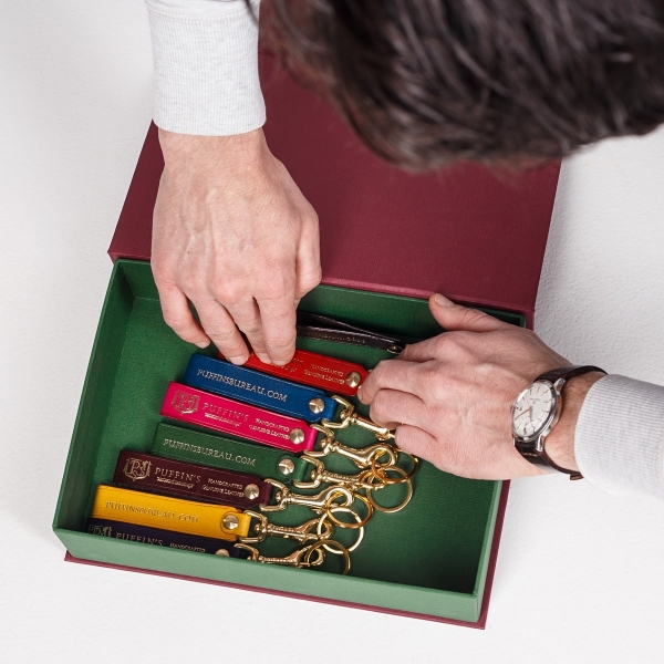 Keychain handmade DUE magenta