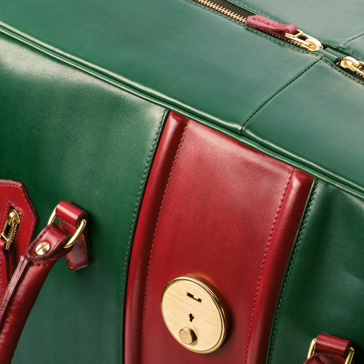 чемодан для путешествий holiday красная смородина & зеленый травяной