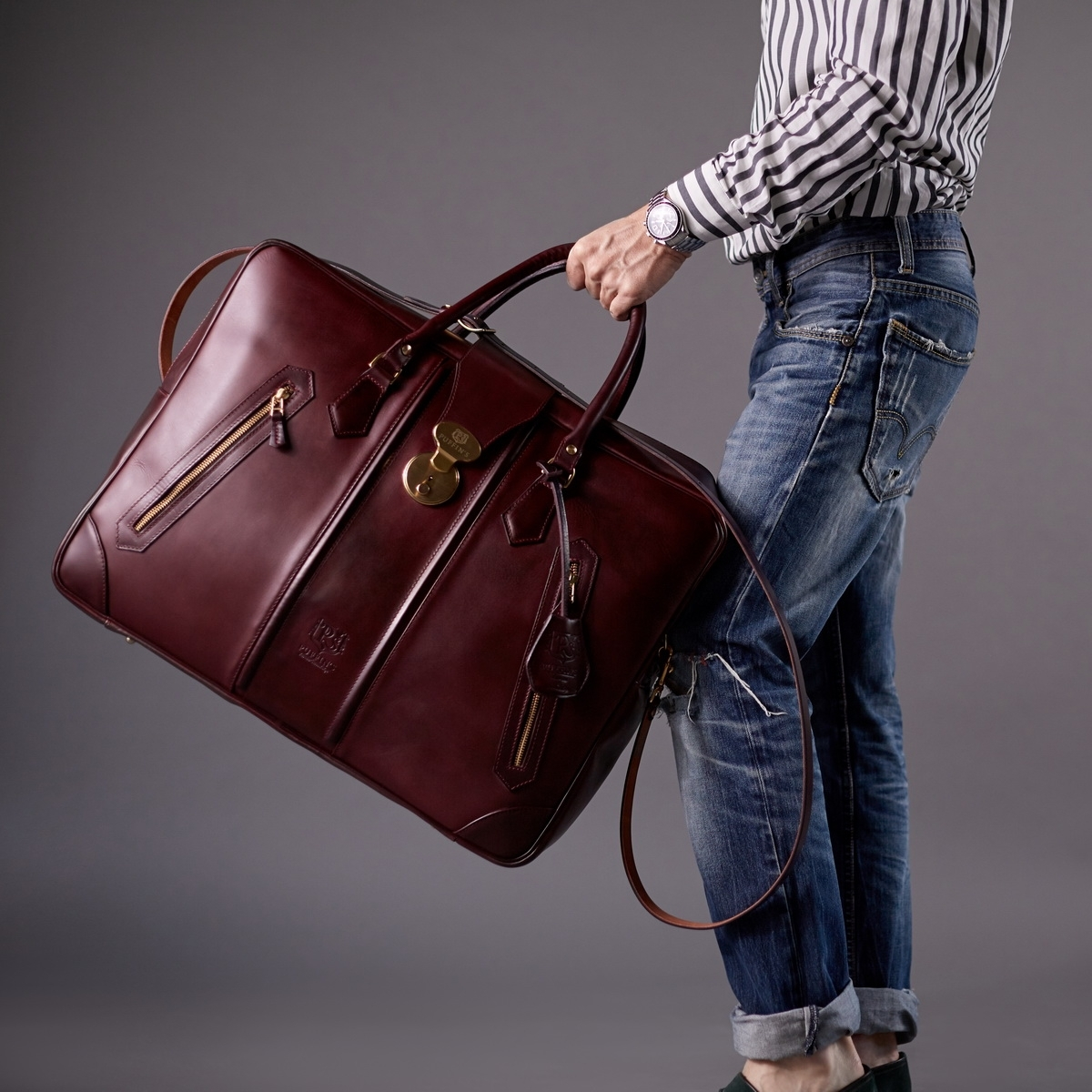 Leather suitcase HOLIDAY bordeaux