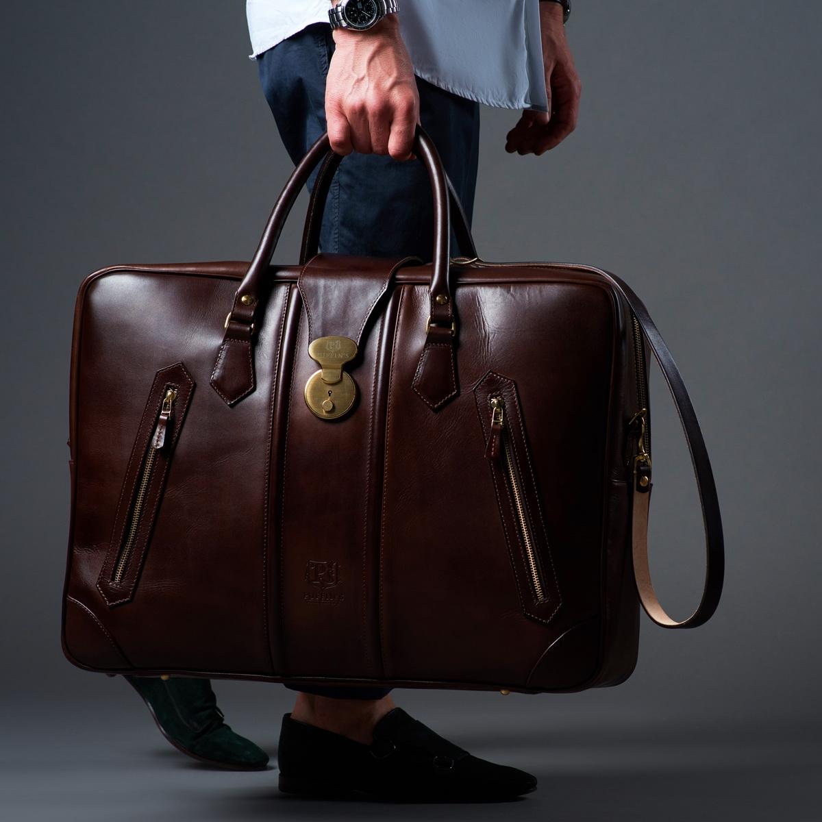 чемодан для путешествий holiday каштановый